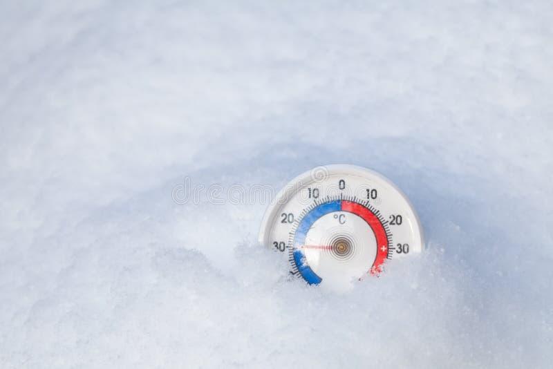 Le thermomètre congelé montre sans 30 WI extrêmes de froid de degré Celsius photos libres de droits