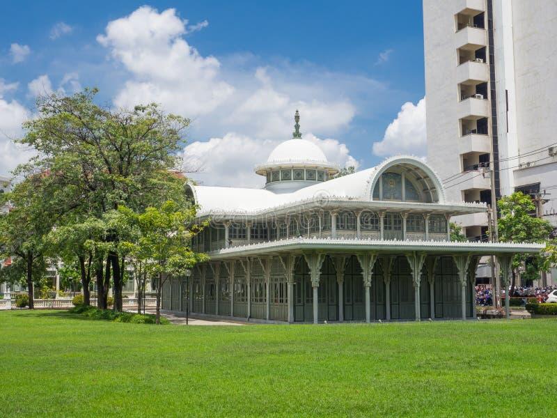 Le Thewarat Sapharom Hall a été établi afin de la mère de €™s du Roi Vajiravudhâ, pour arranger des événements royaux photos libres de droits