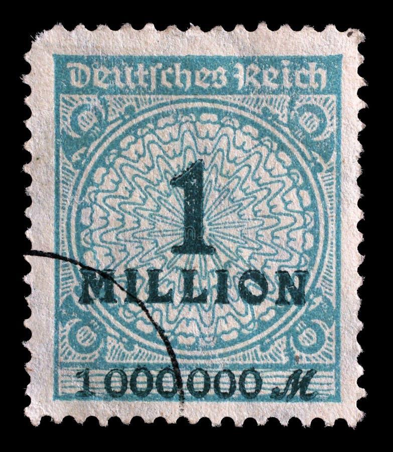 Le timbre imprimé en république Fédérale d'Allemagne montre l'image des nombres gonflés hyper image stock