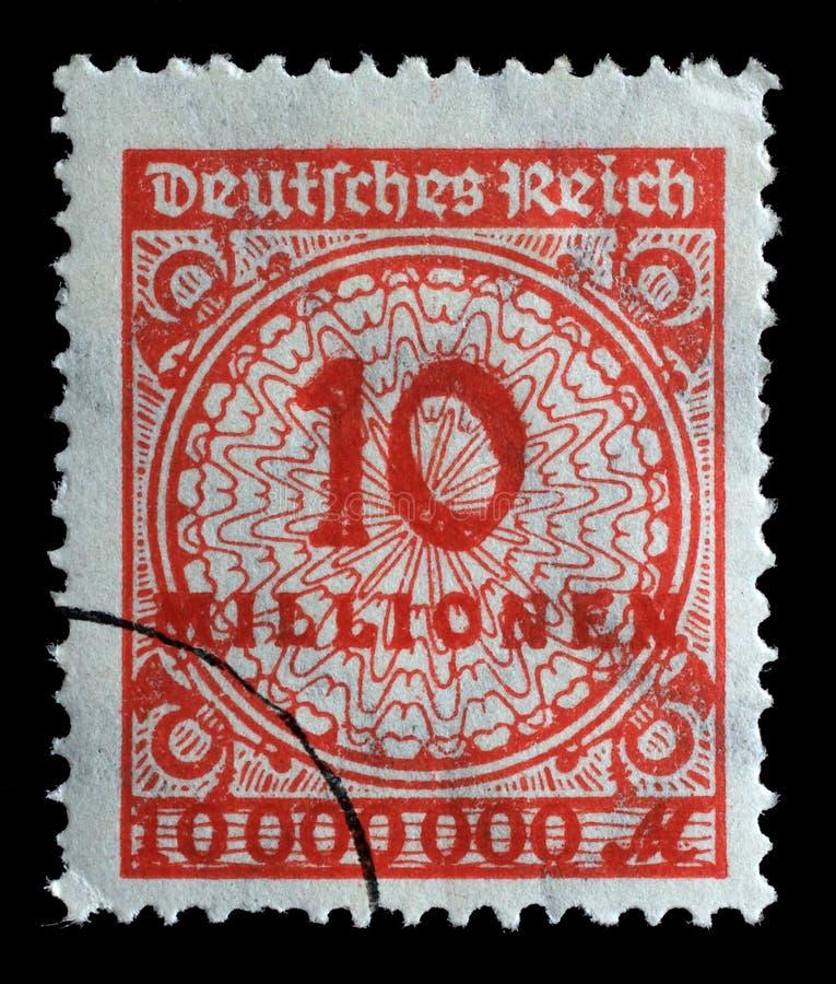 Le timbre imprimé en république Fédérale d'Allemagne montre l'image des nombres gonflés hyper photo stock