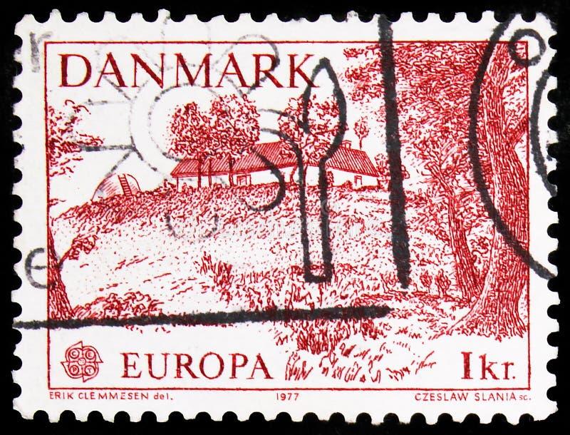 Le timbre-poste imprimé au Danemark montre Allinge, Europa (C E P T ) 1977 - Série Landscapes, vers 1977 images libres de droits