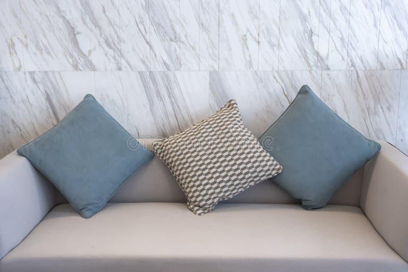 Le tissu moderne repose la décoration intérieure photos libres de droits