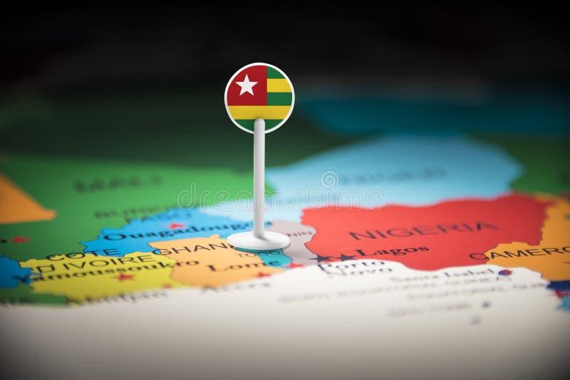 Le Togo a identifié par un drapeau sur la carte photo libre de droits