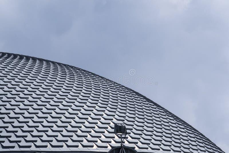 Le toit du ressembler de bâtiment de théâtre à un poisson s'écaillent photo stock