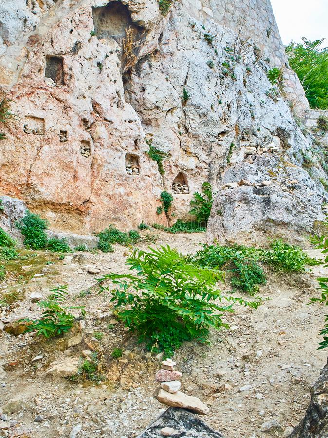 Le tombeau de l'Aphrodite et de l'eros Acropole d'Athénien de promenade de Peripatos image stock
