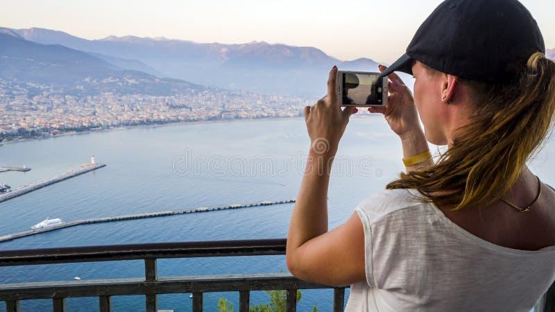 Le touriste prend la photo photo stock
