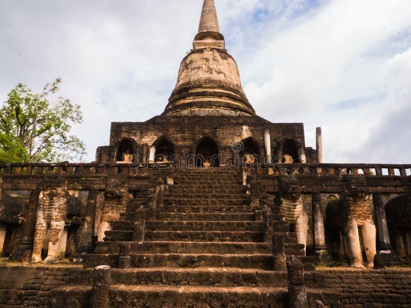 Le tracce di storia delle nazioni Tailandia, rovine, credono di buddismo immagine stock