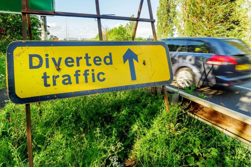 Le trafic détourné se connectent l'autoroute du R-U en Angleterre images stock