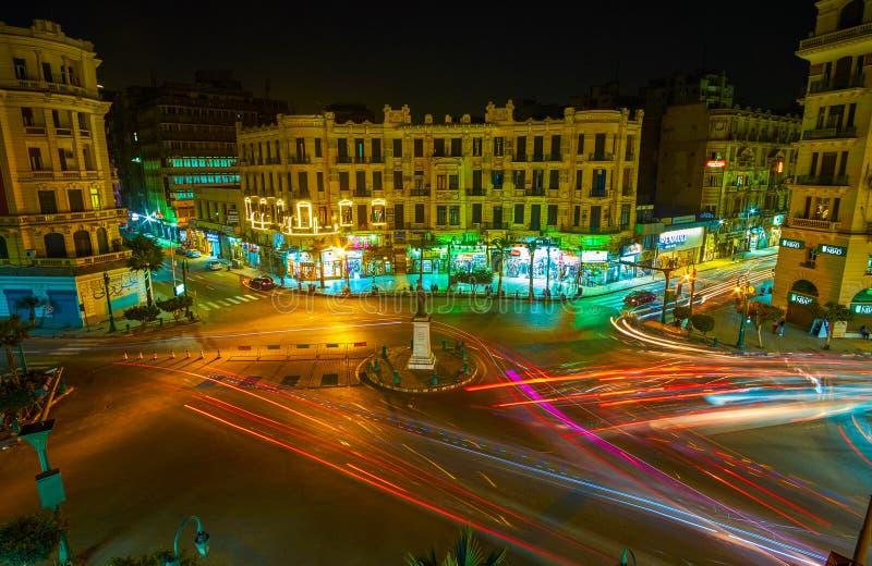Le trafic de nuit au Caire, Egypte photo stock