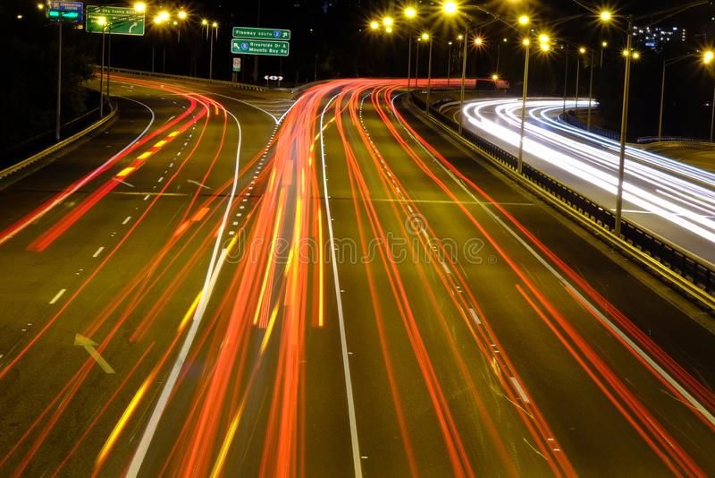 Le trafic de nuit dans la grande ville Perth images libres de droits