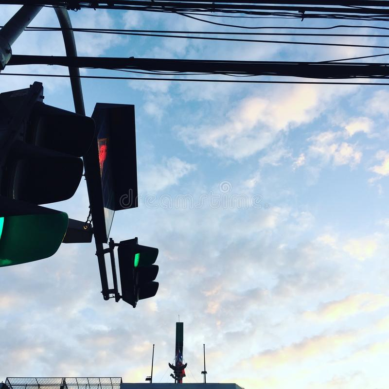 Le trafic et ciel photo libre de droits