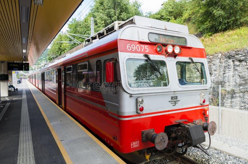 Le train de Voss vers Bergen en Norvège image libre de droits