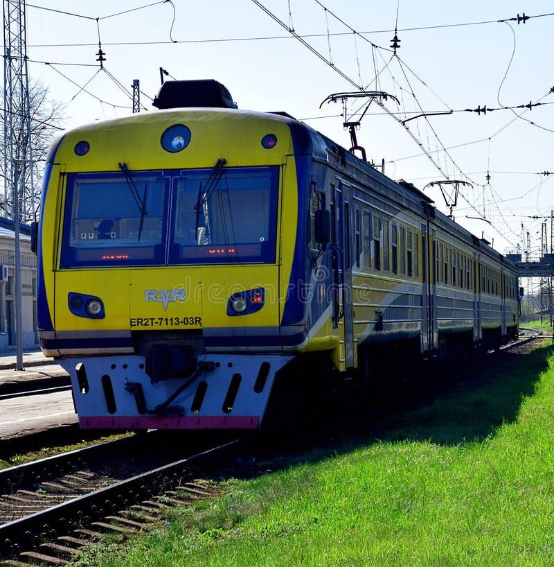Le train de voyageurs letton photographie stock libre de droits