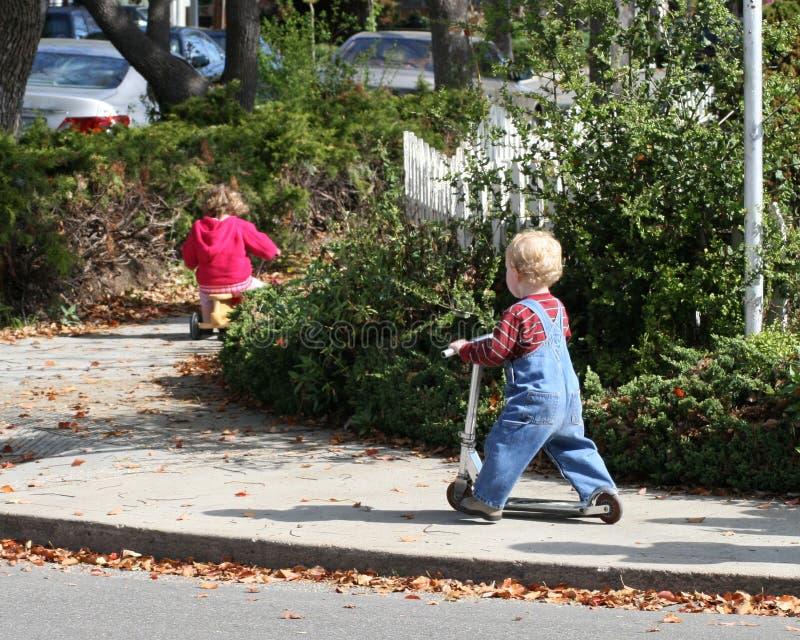 Le transport des enfants photographie stock libre de droits