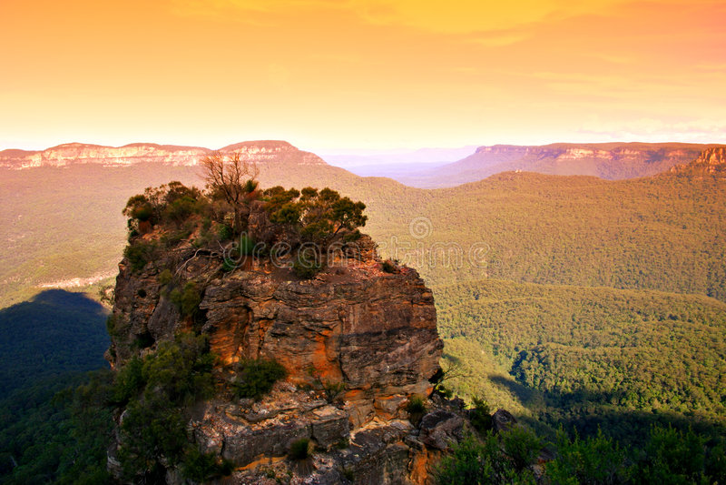 Download Le tre sorelle, Australia immagine stock. Immagine di roccia - 3131095