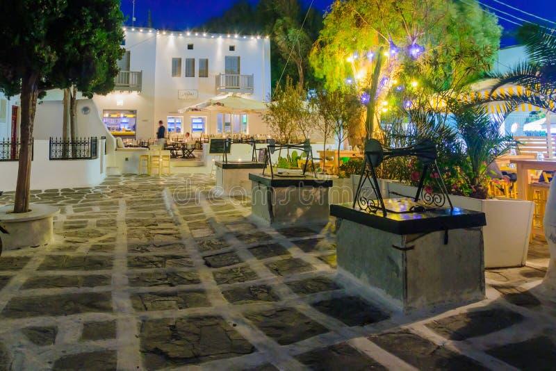 Le Tria Pigadia, dans Mykonos photo libre de droits