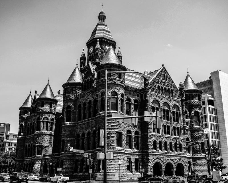 Le tribunal rouge sur la plaza de Dealey photos stock