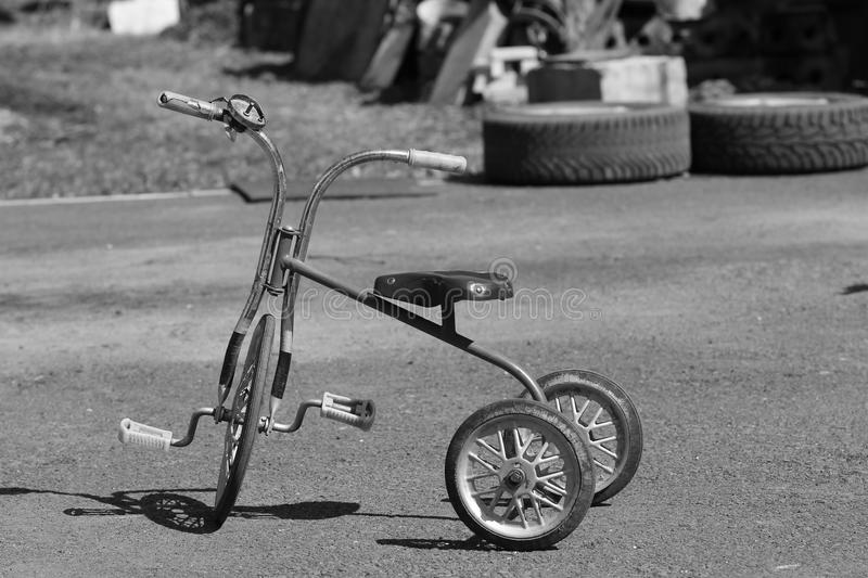 Le tricycle d'enfants images stock