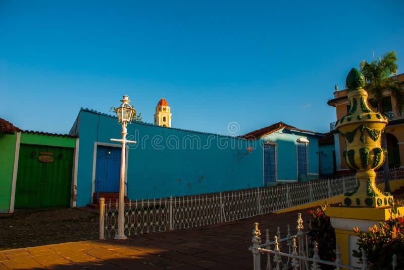 Le Trinidad, Cuba Maire de plaza et et un vieux bâtiment photographie stock