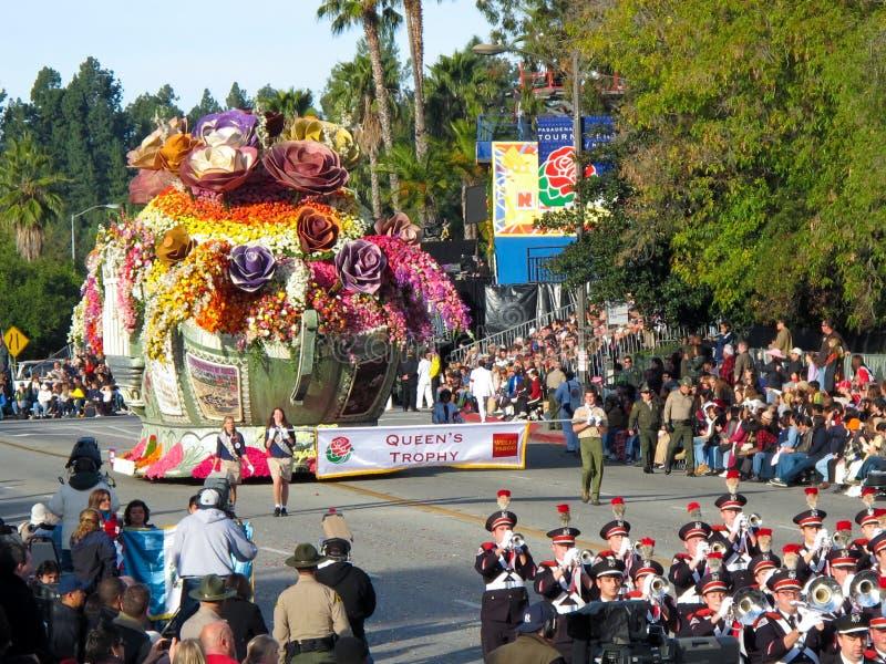 Le trophée de la Reine au défilé 2010 de cuvette de Rose photo stock