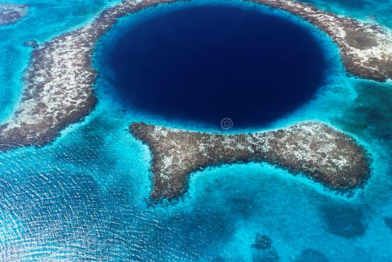 Le trou bleu grand de Belize photographie stock libre de droits