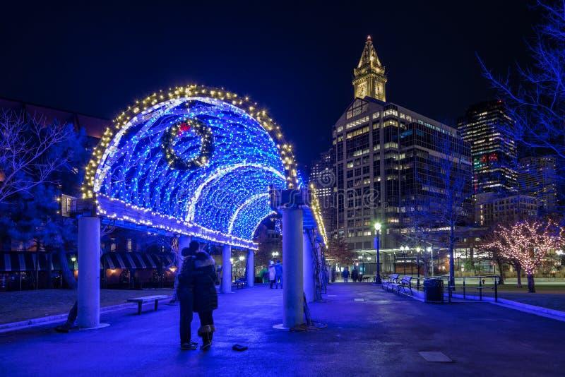 Le tunnel bleu à Noël images libres de droits