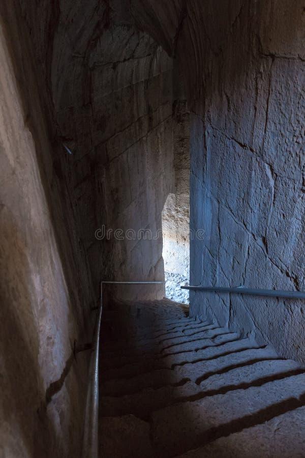 Le tunnel menant à une entrée secrète à partir de l'entrée du nord-est à Nimrod Fortress situé dans la Galilée supérieure dans le image libre de droits