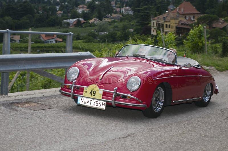 Le Tyrol du sud cars_2014_Porsche classique 356 un fou du volant images libres de droits