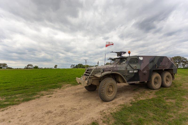 Le véhicule blindé militaire, un poids léger a roulé, Miedzyrzecz, Pologne images libres de droits