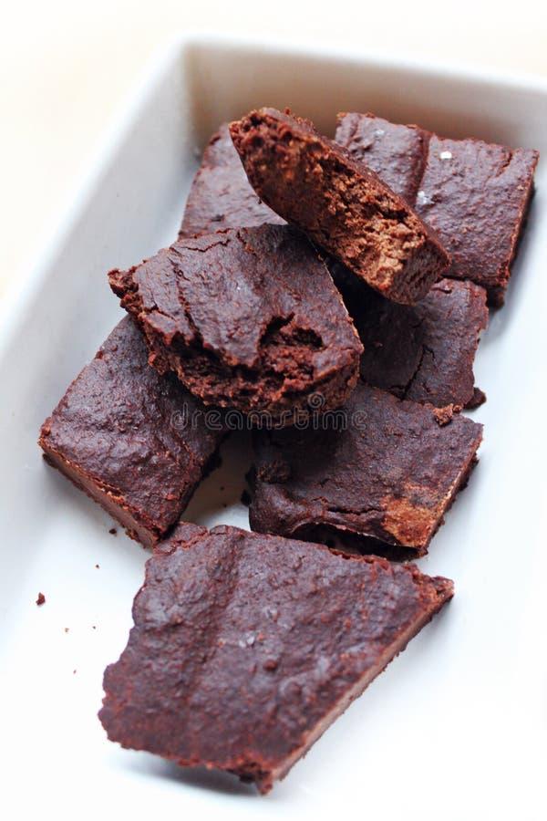 Le Vegan sent des 'brownie' de chocolat images stock