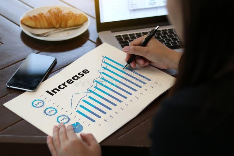Le vendite affare dei grafici e di molti grafici aumentano le parti Co del reddito illustrazione di stock