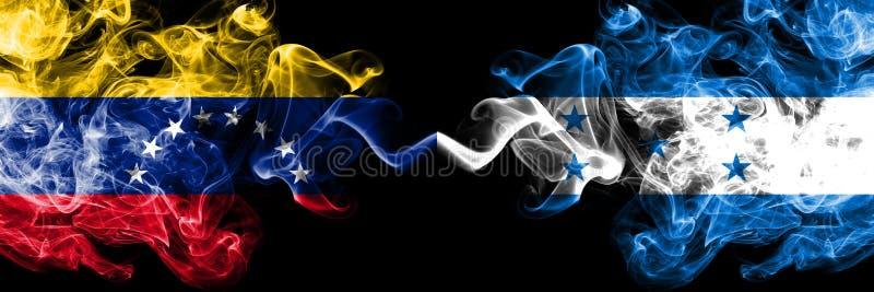 Le Venezuela contre le Honduras, drapeaux mystiques fumeux honduriens placés côte à côte Drapeaux soyeux colorés épais de fumée d illustration libre de droits