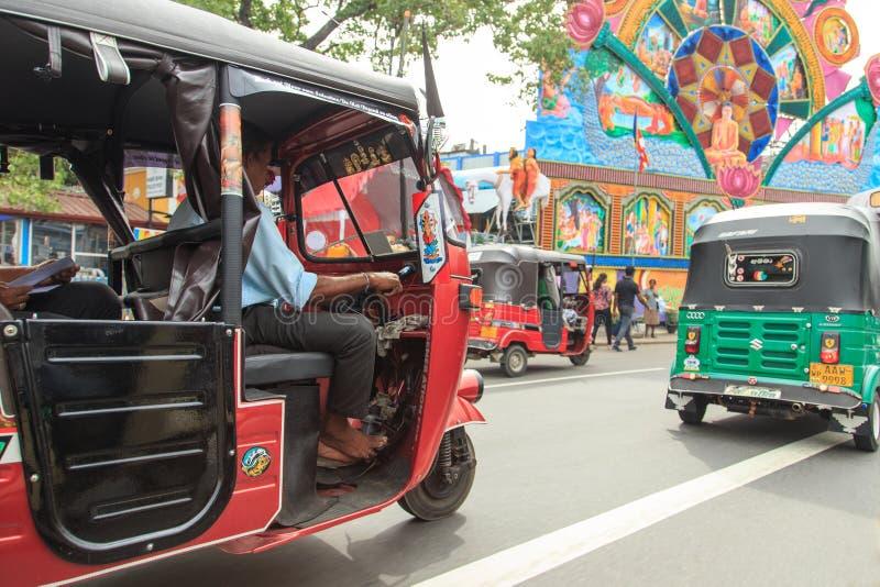 Le vie di Pettah durante il festival 2018 - Colombo - Sri Lanka del theVesak fotografia stock