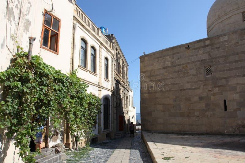 Le vie di vecchia città, Icheri Sheher è il centro storico di Bacu, Azerbaigian fotografia stock libera da diritti
