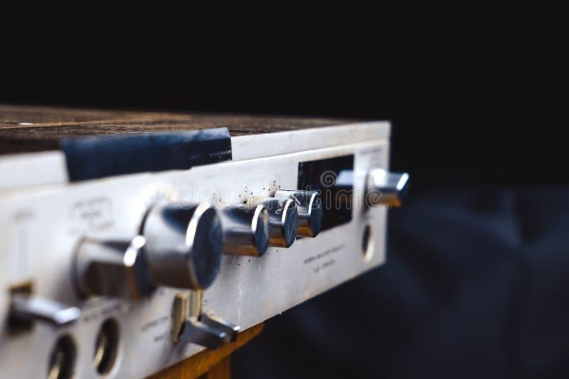 Le vieil amplificateur photographie stock