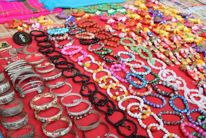 Le Vietnam traditionnel par la décoration de ` de bracelets photographie stock libre de droits