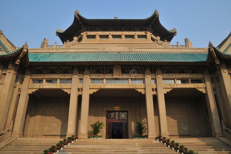 Le vieux bâtiment de la bibliothèque de l'université de Wuhan image stock