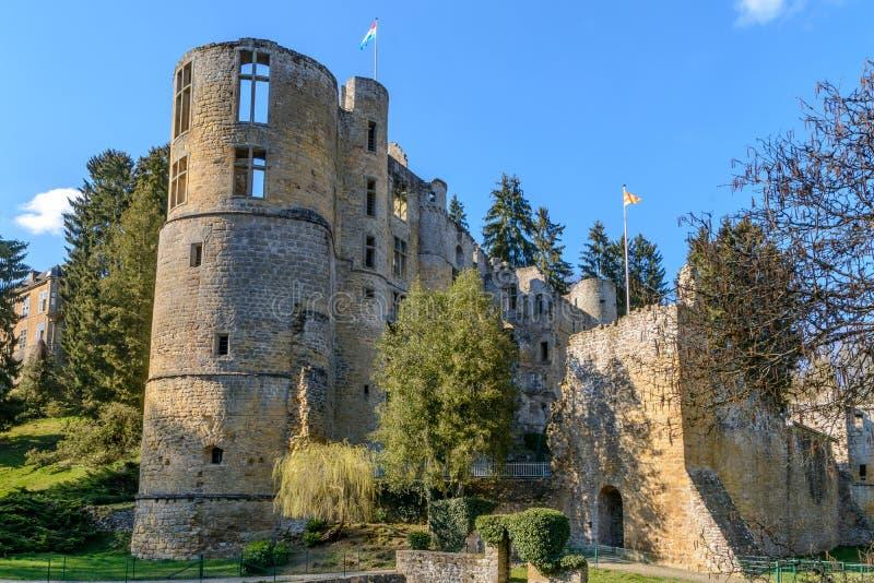 Le vieux château de Beaufort au Luxembourg images stock
