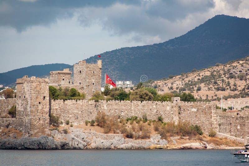 Le vieux château enrichi Côte et ports, plage de Bodrum photographie stock