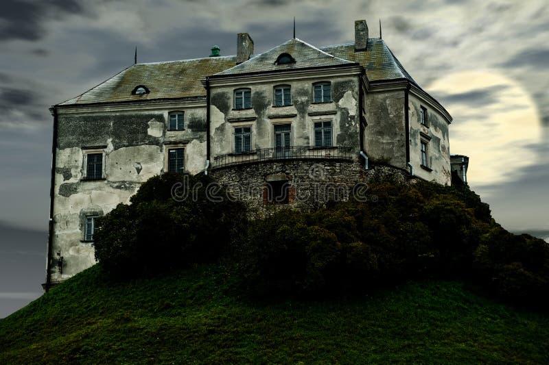 Le vieux château terrible images stock