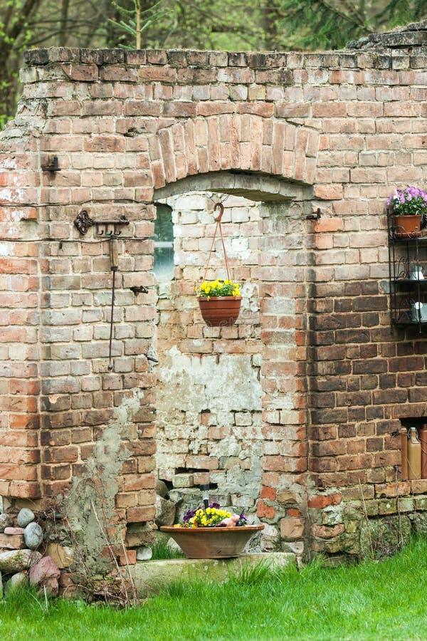 Le vieux mur comme ruine photos stock