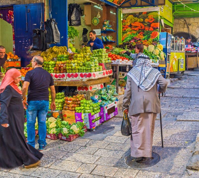 Le vieux Palestinien sur le marché image libre de droits