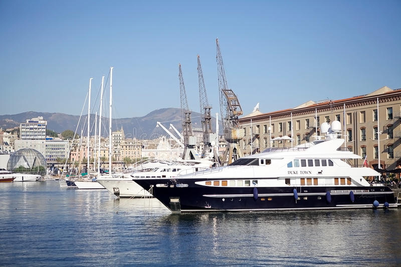 Le vieux port de Gênes, Italie photographie stock