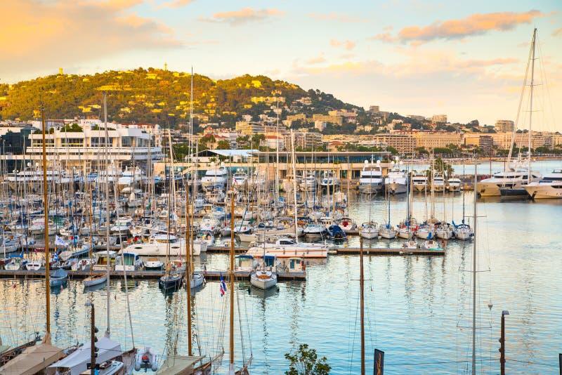 Le Vieux Porto de Cannes Festival da vela de Cannes france fotografia de stock