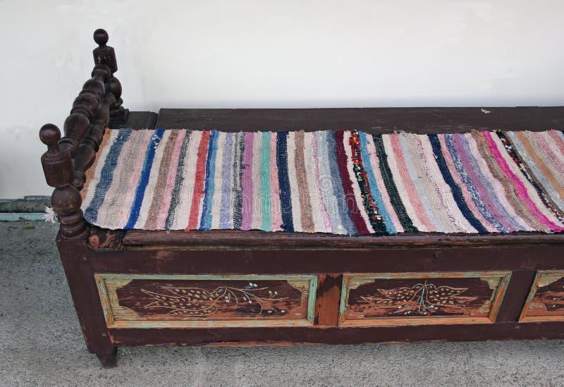 Le vieux sofa photo stock