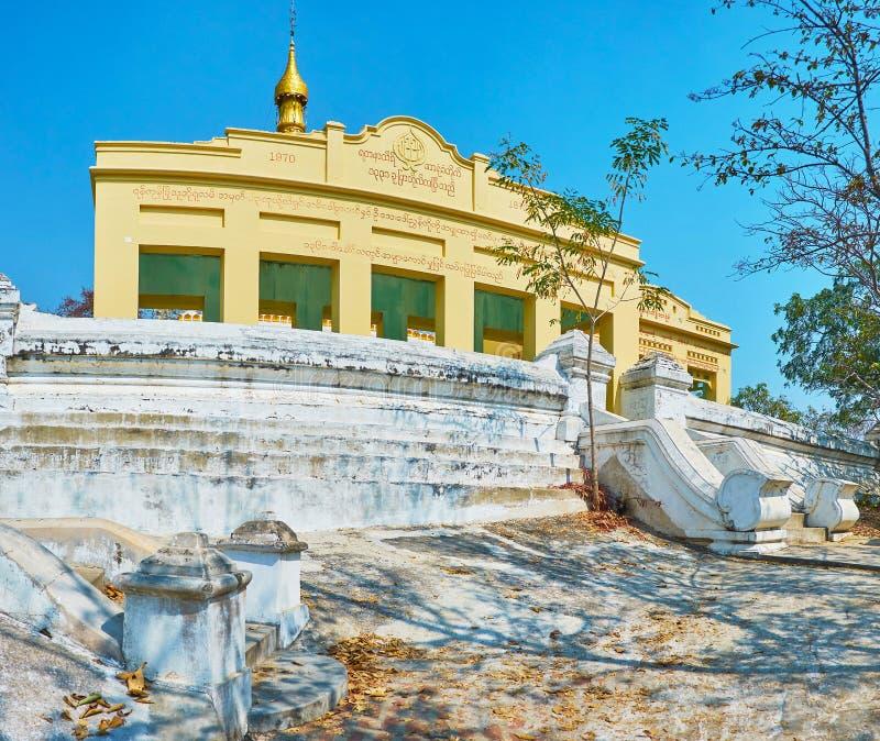 Le vieux tombeau d'U Min Thonze Temple, Sagaing images libres de droits