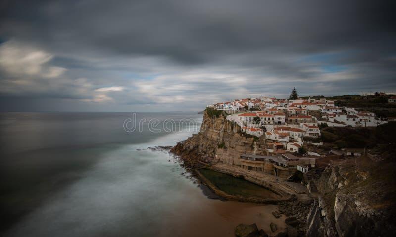Le village côtier d'Azenhas font mars au Portugal photographie stock libre de droits
