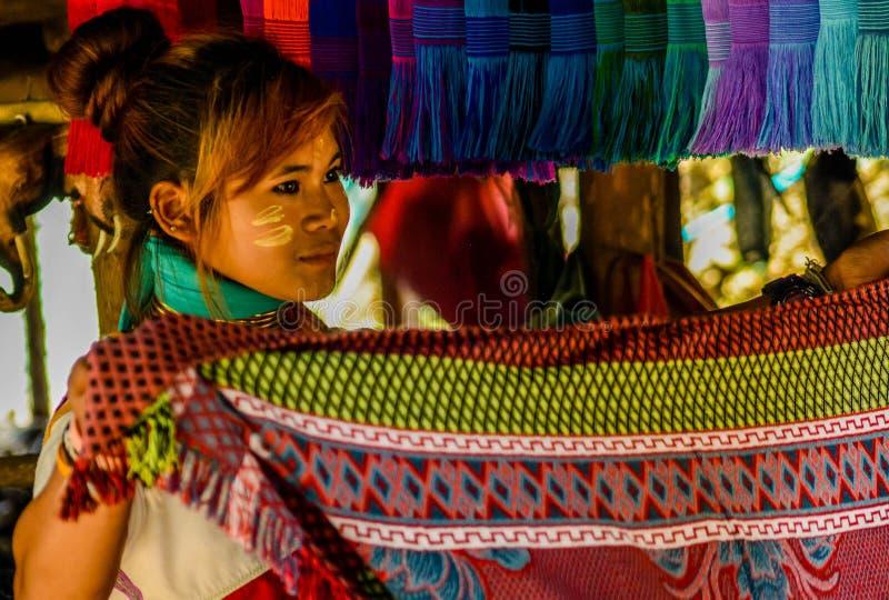 Le village de femme de girafe en Chiang Mai, Tha?lande photo stock