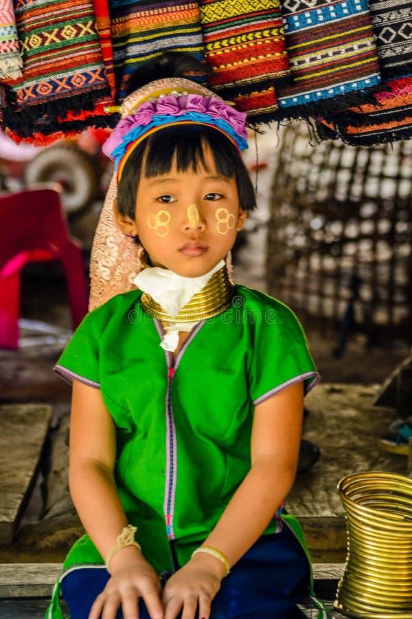 Le village de femme de girafe en Chiang Mai, Tha?lande photographie stock libre de droits