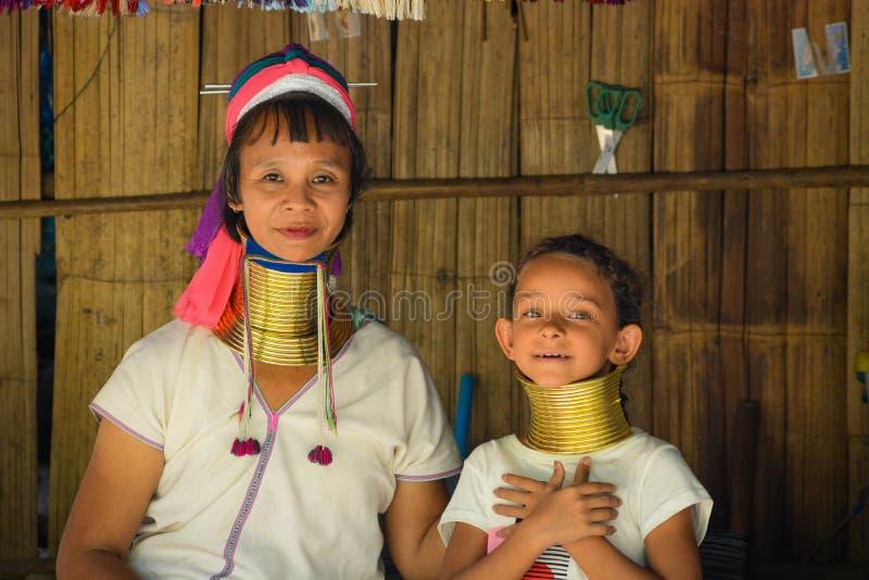 Le village de femme de girafe en Chiang Mai, Tha?lande photos libres de droits
